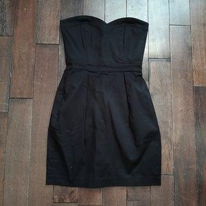 Aritzia Talula Strapless Sweetheart Neck Dress